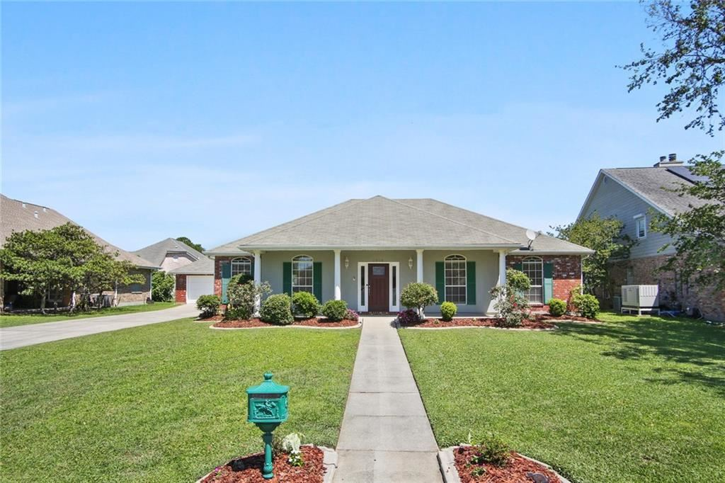 1805 LAKE MICHIGAN Drive, Harvey, LA 70058 - #: 2250970