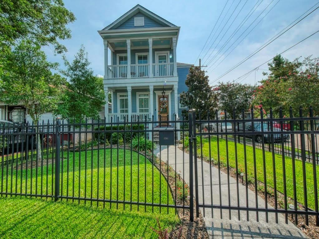 2301 UPPERLINE Street, New Orleans, LA 70115 - #: 2310985