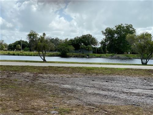 Photo of 501 Riverside Drive SW, Moore Haven, FL 33471 (MLS # 270062)