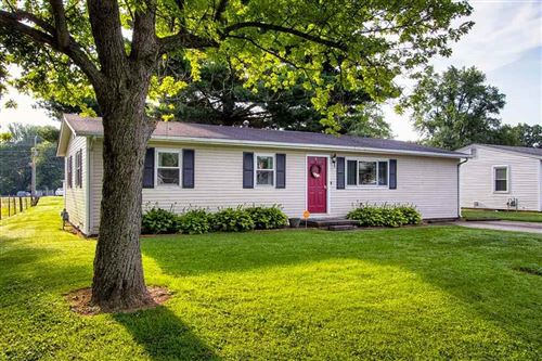Photo of 1924 Country Dr, Henderson, KY 42420 (MLS # 20210229)