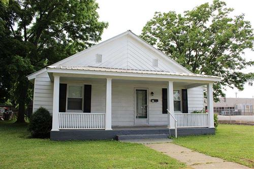 Photo of 416 Eighth St, Henderson, KY 42420 (MLS # 20200230)