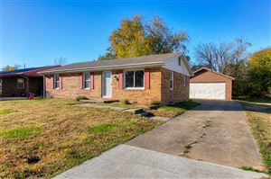 Photo of 608 Winchester Rd, Henderson, KY 42420 (MLS # 20190556)