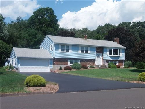 Photo of 8 Green Field Lane, North Haven, CT 06473 (MLS # 170324002)