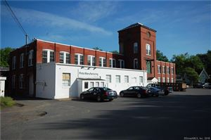 Photo of 122 Naubuc Avenue, Glastonbury, CT 06033 (MLS # 170058015)