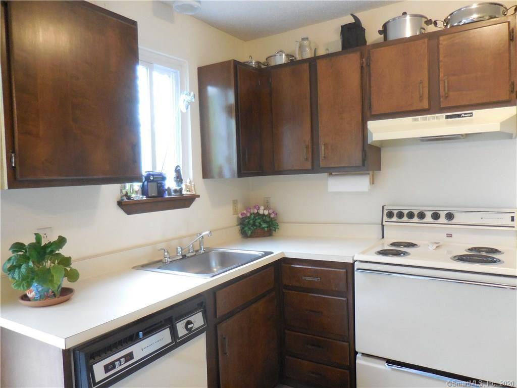 Photo of 92 Cynthia Lane #D6, Middletown, CT 06457 (MLS # 170303035)