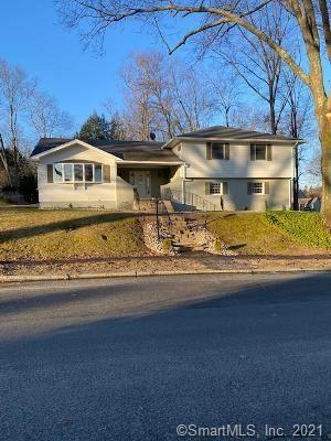 Photo of 28 Eastridge Drive, Waterbury, CT 06708 (MLS # 170368038)