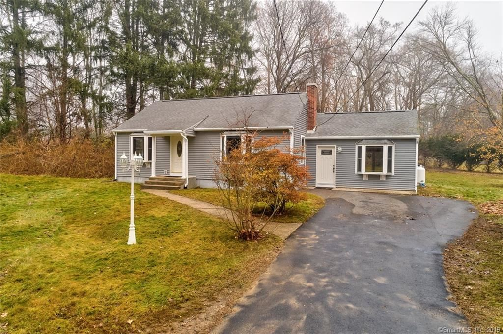 Photo of 29 Maple Road, Waterford, CT 06375 (MLS # 170256038)