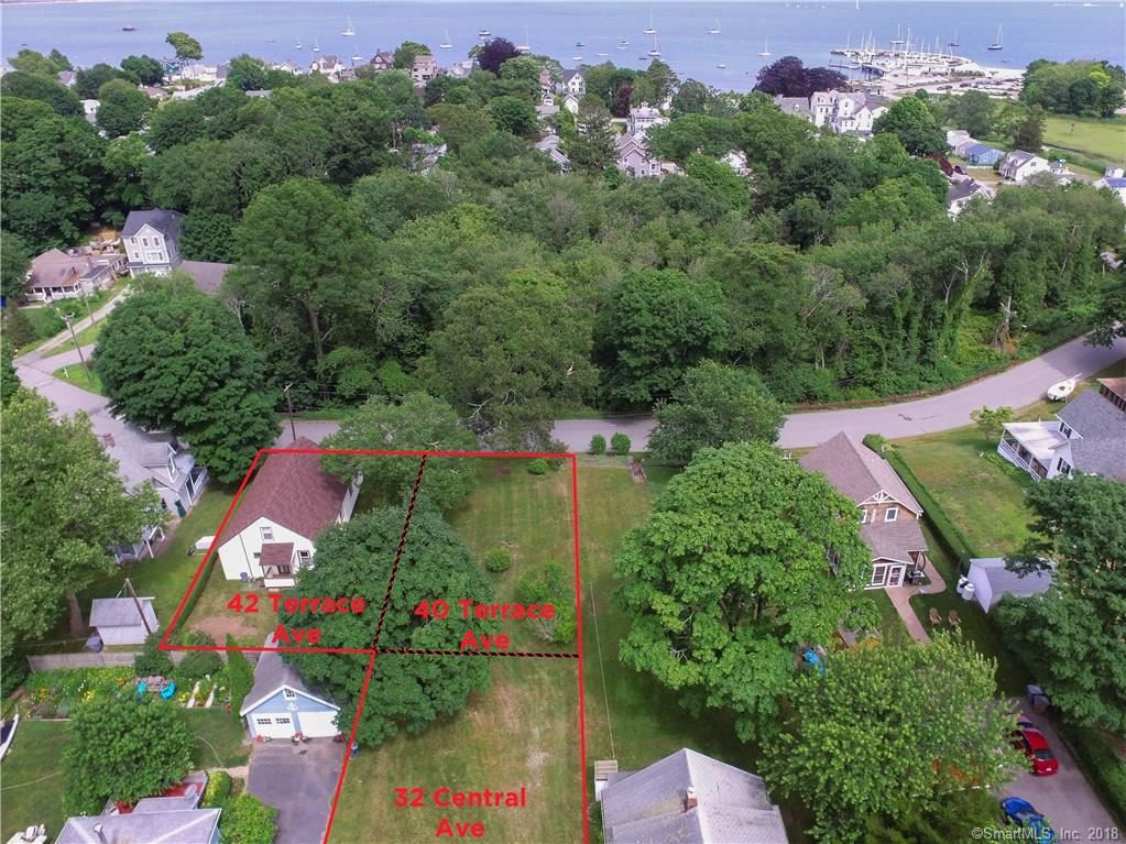 Photo for 40 Terrace Avenue, East Lyme, CT 06357 (MLS # 170112040)