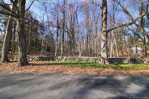 Photo of 4 North Pease Road, Woodbridge, CT 06525 (MLS # 170262045)