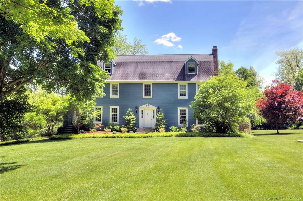 Photo of 11 Farrar Lane, Ridgefield, CT 06877 (MLS # 170383063)