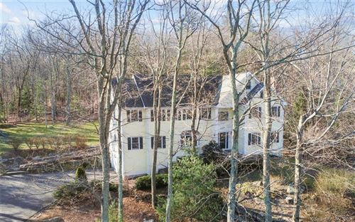 Photo of 12 Carriage Hill Road, Woodbridge, CT 06525 (MLS # 170272070)