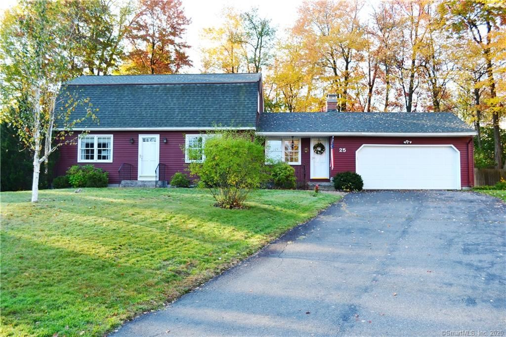 Photo of 25 Bayberry Circle, Windsor, CT 06095 (MLS # 170349081)