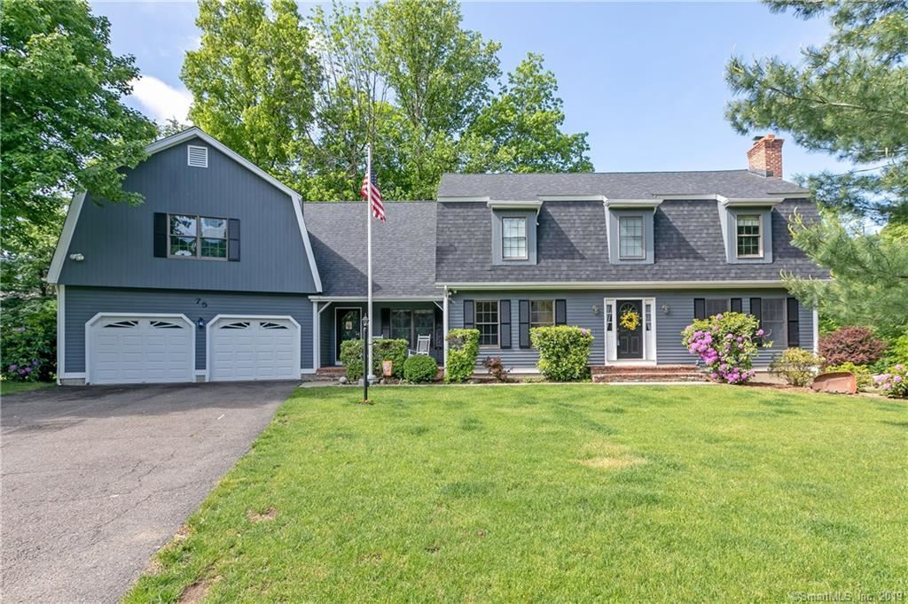 Photo for 75 Summersweet Place, Stratford, CT 06614 (MLS # 170148097)