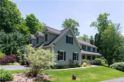 Photo of 815 Breakneck Hill Road, Middlebury, CT 06762 (MLS # 170300108)