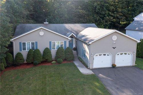 Photo of 17 Winterwood Terrace, Farmington, CT 06032 (MLS # 170443117)