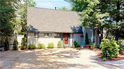 Photo of 6 Pond Circle #6, Avon, CT 06001 (MLS # 170410119)