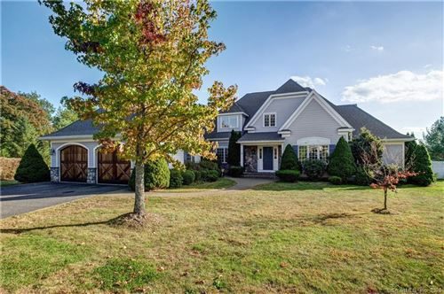 Photo of 4 Kentwood Court, Middlebury, CT 06762 (MLS # 170347132)
