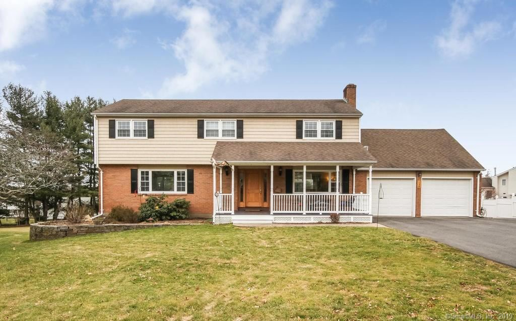Photo for 138 Surrey Drive, Wethersfield, CT 06109 (MLS # 170155137)