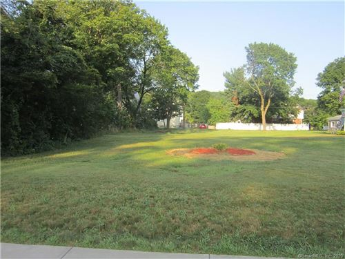 Photo of 1686 Litchfield Turnpike, Woodbridge, CT 06525 (MLS # 170359157)