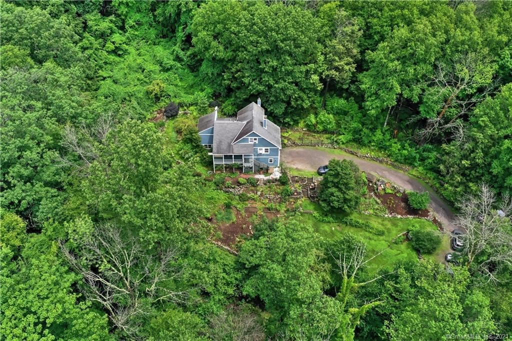 Photo of 462 West Hill Road, New Hartford, CT 06057 (MLS # 170420170)