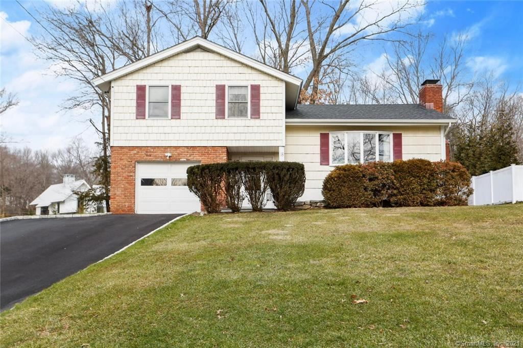 18 Pond Place, Greenwich, CT 06807 - MLS#: 170366176