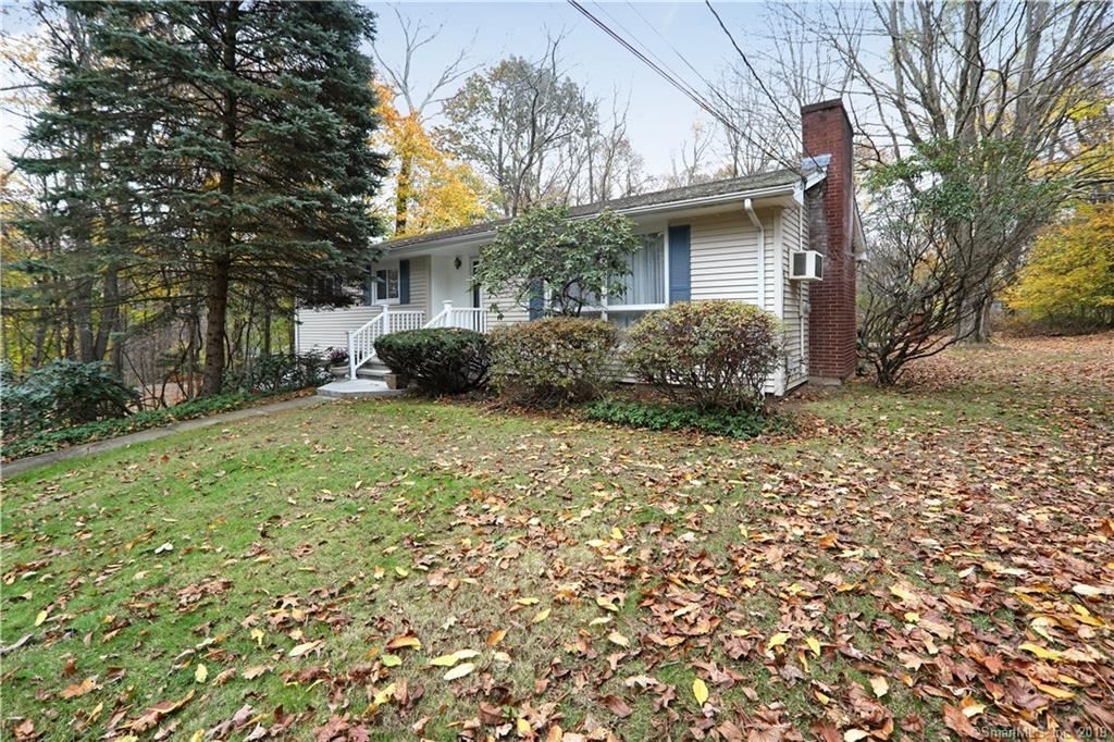 Photo for 20 Mountain View Road, Bethany, CT 06524 (MLS # 170251177)