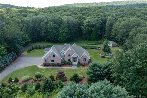 Photo of 305 Old Farms West, Middletown, CT 06457 (MLS # 170424184)