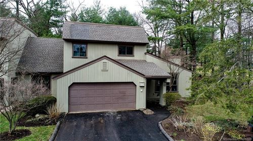 Photo of 19 Applewood Lane #19, Avon, CT 06001 (MLS # 170283196)