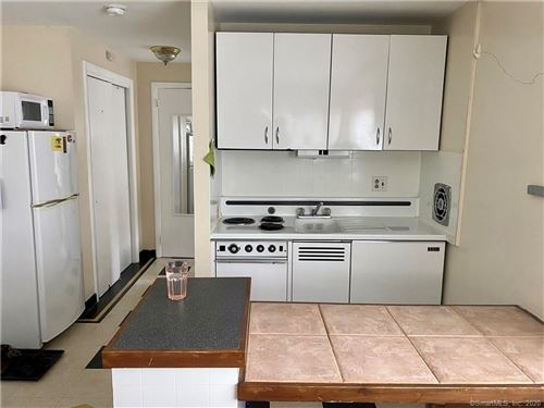 Photo of 132 EDWARDS ST #3-E, New Haven, CT 06511 (MLS # 170300215)