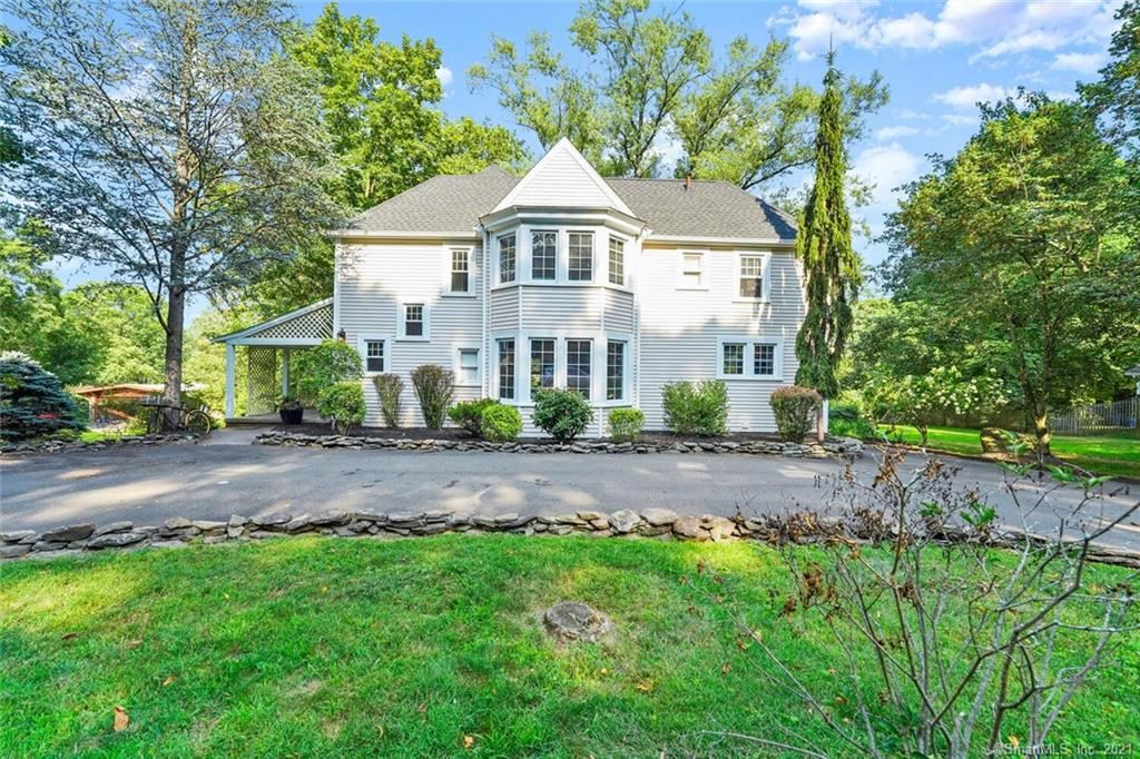 695 Forest Road, West Haven, CT 06516 - MLS#: 170427215