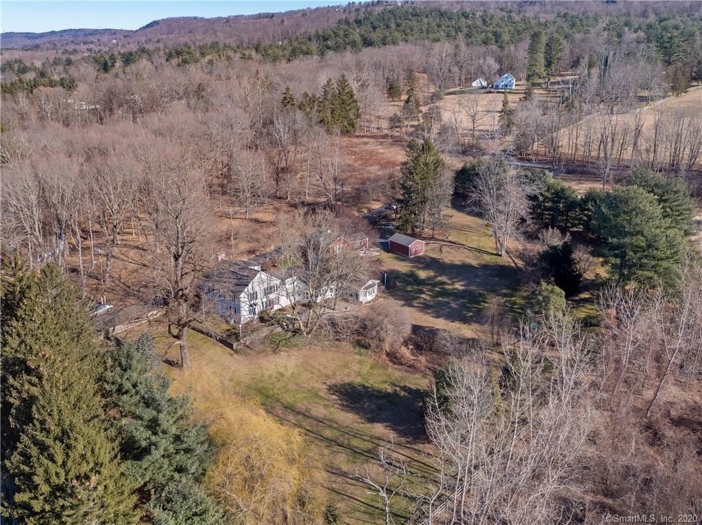 Photo of 7 Bishop Lane, Avon, CT 06001 (MLS # 170266220)