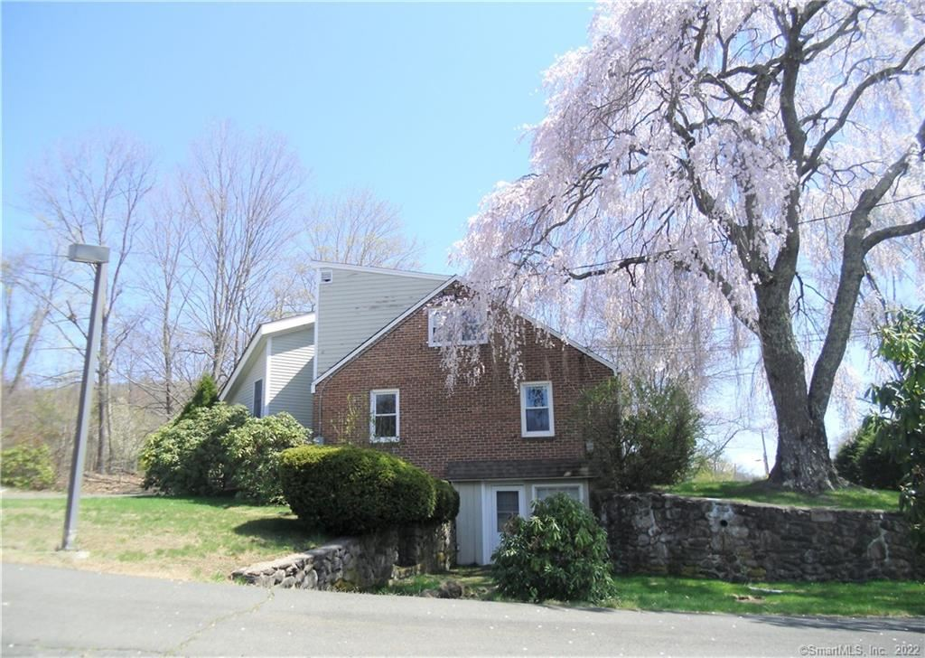 Photo of 305 Albany Turnpike, Canton, CT 06019 (MLS # 170393228)