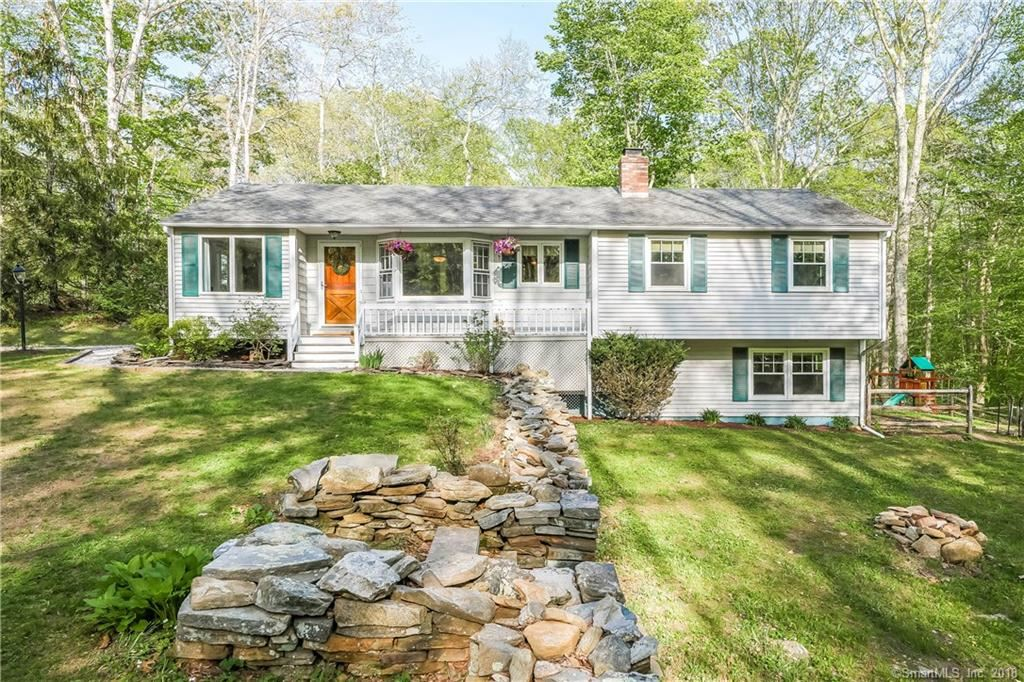 Photo for 8 Brookview Terrace, Madison, CT 06443 (MLS # 170081231)