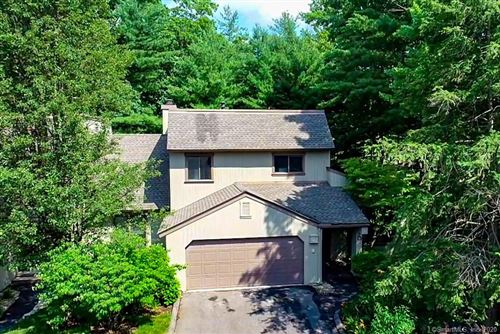Photo of 19 Applewood Lane #19, Avon, CT 06001 (MLS # 170315266)
