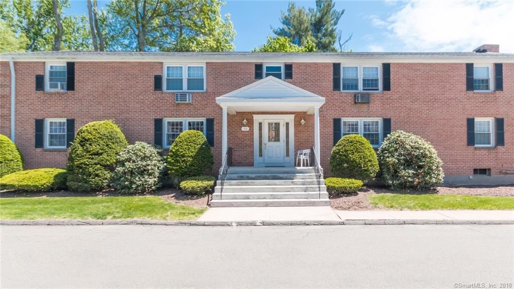 Photo for 18 Brewster Road #D, Glastonbury, CT 06033 (MLS # 170084305)