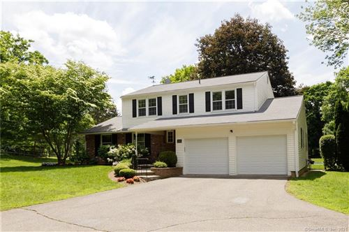 Photo of 141 Tyler Crossing, Middlebury, CT 06762 (MLS # 170391318)