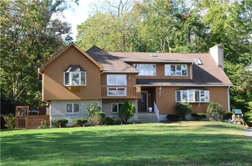 Photo of 32 Green Field Lane, North Haven, CT 06473 (MLS # 170344339)