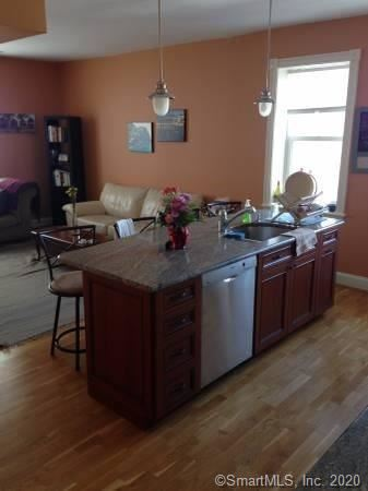 Photo of 629 Chapel Street #4A, New Haven, CT 06511 (MLS # 170285350)
