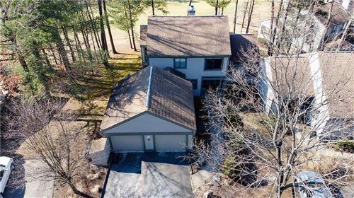 Photo of 2 Fieldstone Lane #2, Avon, CT 06001 (MLS # 170269354)