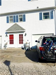 Photo of 71 Commodore Commons #71, Derby, CT 06418 (MLS # 170047362)