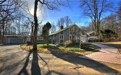 Photo of 5 Mohawk Lane, Woodbridge, CT 06525 (MLS # 170444372)