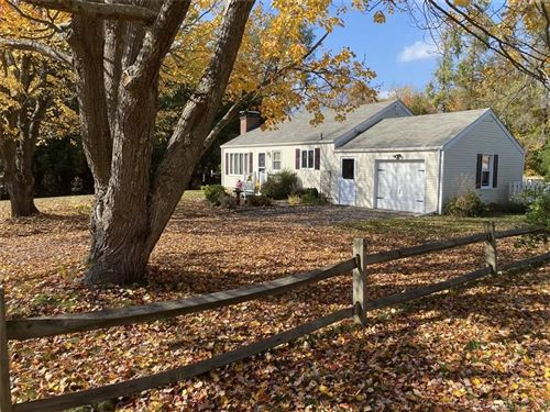 Photo of 30 Joanne Drive, Middlebury, CT 06762 (MLS # 170350384)