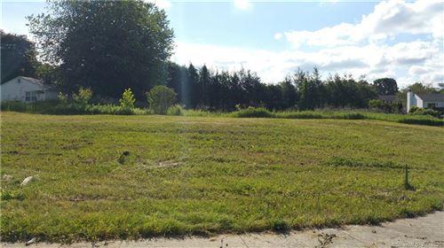 Photo of 4 Fieldview Lane, Hamden, CT 06514 (MLS # 170263400)