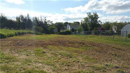 Photo of 6 Fieldview Lane, Hamden, CT 06514 (MLS # 170263402)
