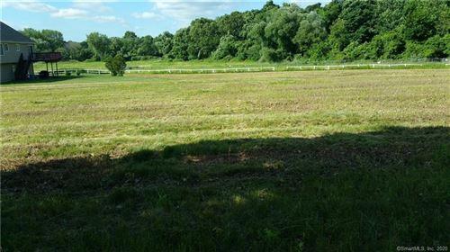 Photo of 8 Fieldview Lane, Hamden, CT 06514 (MLS # 170263406)