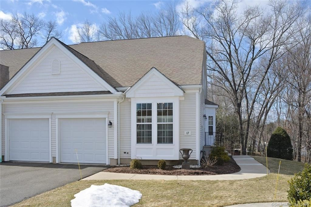 Photo of 17 Meadowview Court, Canton, CT 06019 (MLS # 170274459)