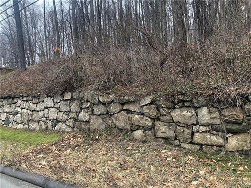 Photo of 6 New Road, Avon, CT 06001 (MLS # 170395490)