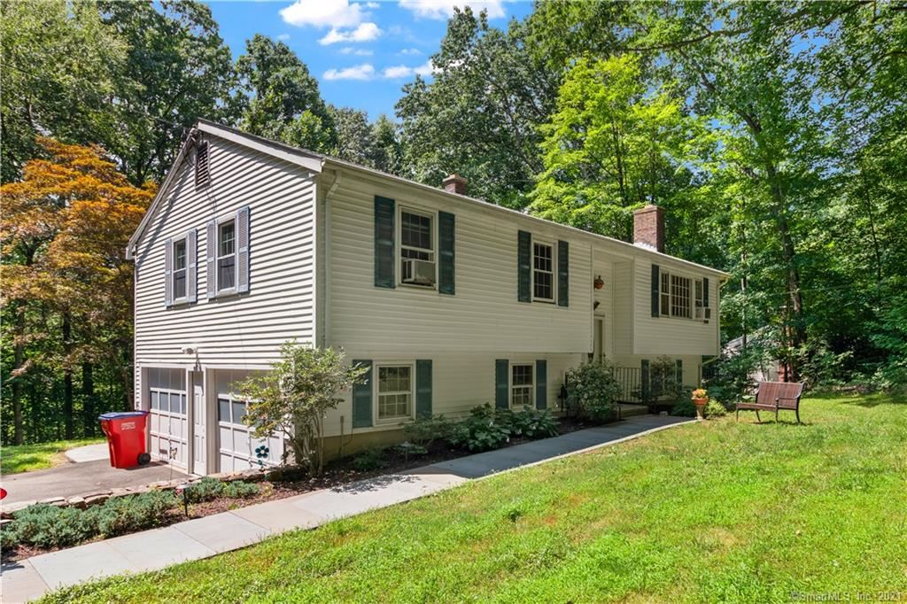 550 West Lake Avenue, Guilford, CT 06437 - #: 170421491