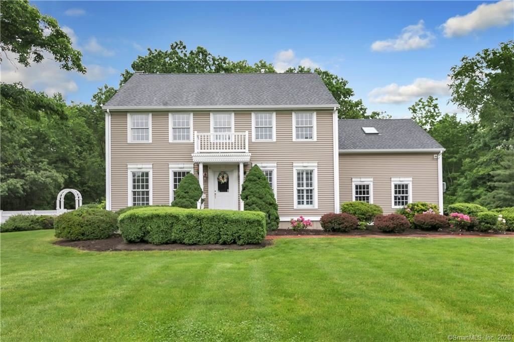 Photo for 18 Hi Ann Court, Bethany, CT 06524 (MLS # 170299494)