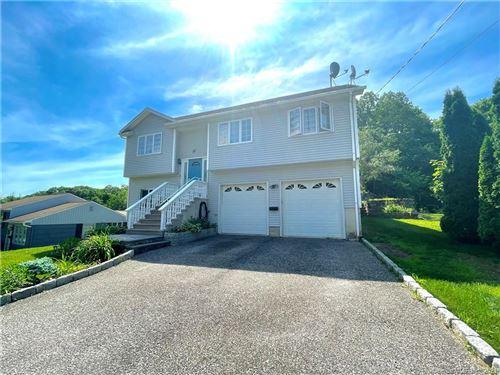 Photo of 33 Devonwood Drive, Waterbury, CT 06708 (MLS # 170410495)